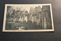 PK447- Photo Nadal Saigon 104- -  Ruines D Angkor -Le Bayon, Aile Est De La Galerie Exterieure Nord - Cambodge