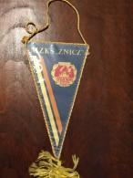 PENNANT - Fanion MZKS ZNICZ PRUSZKOW 1923 - Apparel, Souvenirs & Other