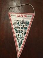 Pennant - Fanion  Hauptstadt BERLIN Der DDR - Apparel, Souvenirs & Other