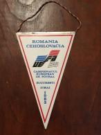 ROMANIA Fanion / Pennant - Romania / Cehoslovacia UEFA 84 / Bucuresti 1983 - Apparel, Souvenirs & Other