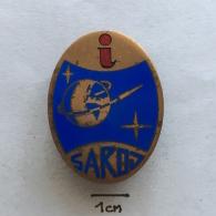 Badge (Pin) ZN002832 - SAROJ-a (Savez Astronautičkih I Raketnih Organizacija Jugoslavije) Yugoslavian Space Program - Space