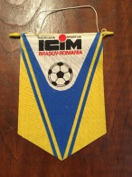 Pennant - Fanion Romania ASOCIATIA SPORTIVA ICIM BRASOV ROMANIA FOOTBALL - Habillement, Souvenirs & Autres