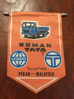 ROMANIA PENNANT ROMAN & TATA 1982 PEKAN - MALAYSIA - Camions