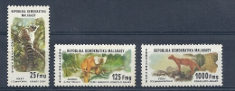 140011204  MADAGASCAR  YVERT  Nº  627/9  **/MNH - Madagascar (1960-...)