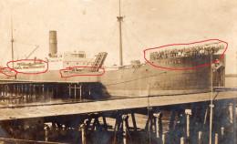 CARGO '' ERINIER '' -  TRANSPORT DE PRISONNIERS ALLEMAND VERS L´ANGLETERRE -  1914 1918  -  RARE PHOTO - Guerre 1914-18