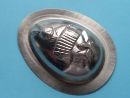 CHOCOLADEVORM / MOULE - CHOCOLAT MOLD Merk J.K.V. Tilburg N° 14570 Konijn / Accordeon ( Vintage / Zie Foto´s ) ! - Autres Collections