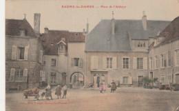 BAUME LES DAMES    DOUBS  25 - CPA   PLACE DE L'ABBAYE   COLORISEE - Baume Les Dames