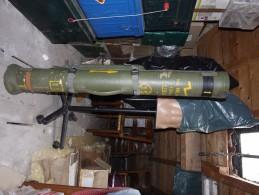 Tube Missile Milan   Frais De Port Compris Dans Le Prix De Vente - Decorative Weapons