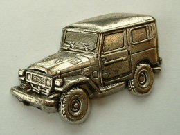 PIN´S TOYOTA LANDCRUISER RELIEF 3D - Toyota