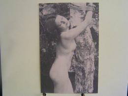 K-n°401  / Beauté  Féminine D´autrefois - Carte Photo Ancienne Vers 1920/30 -   Jeune Fille Ligotée à Un Arbre - Desnudos Adultos (< 1960)