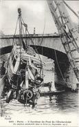 75 - PARIS - 2103 - L'accident Du Pont De L'Archevêché - Un Omnibus Dans La Seine 27 Sept. 1911 - TBE -  Ed. F.F. - France