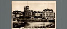 RENNES  Place De La Croix De La Mission Et Gare Des Tramwaiys - Rennes