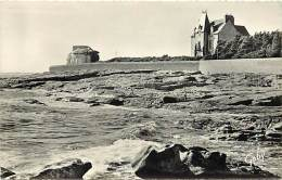 - Depts Div.-ref KK838 - Finistere -  Guilvinec - Chateau Et Rocher De Men Meur - Chateaux - Carte Bon Etat - - Guilvinec