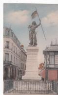 G , Cp , 60 , COMPIÈGNE , Statue De Jeanne D'Arc - Compiegne