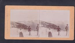 Photo Stereoscopique Chamonix Mont Blanc La Mer De Glace La Traversee  ( Hotel Du Montenvers En Arriere Plan Aout 1898 ) - Stereoscoop