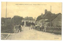 Carte Postale Ancienne  St-Parres-les-Vaudes (10) Le Passage à Niveau Et Le Chateau - France