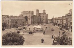 Caernavon OLDTIMER CARS & AUTOBUSES  - 1930's - The Castle Square - (Wales) - Postkaarten
