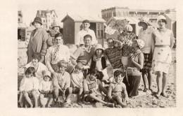 BERCK-PLAGE 1929  -GROUPE SUR LA PLAGE. MAISONS  DERRIERE    CARTE PHOTO - Sports