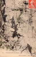 195.  ASCENSION DU SOLIANE   UBAYE    CHASSEURS ALPINS ESCALADENT LA PAROI ROCHEUSE - Militares