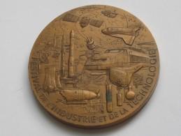 Médaille En Bronze - FESTIVAL DE L'INDUSTRIE ET DE LA TECHNOLOGIE - LA  VILLETTE   **** EN ACHAT IMMEDIAT **** - Professionals / Firms