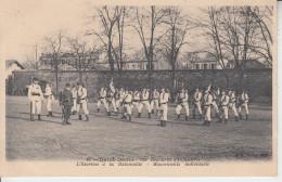 SAINT DENIS - 120 è Régiment Infanterie - L´Escrime à La Baïonnette - Mouvements Individuels    - Militaria  PRIX FIXE - Saint Denis
