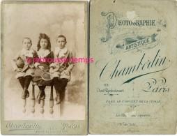 Grand CDV-(CAB) Enfants Avec Jouets-raquettes De Tennis-ballon-photo Chamberlin à Paris - Photographs