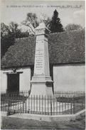 Saint-ouen-les-vignes - Le Monument Aux Morts - - Other Municipalities