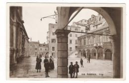CROATIE  /  SIBENIK  Trg.  /  Edit.  MGA  , N° 1118 - Croatie