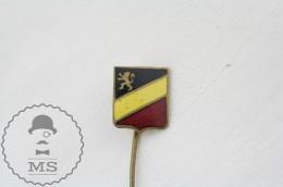 Vintage Belgium  Flag And Lion Needle Badge. - Fútbol