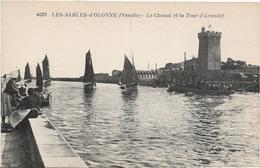 Vendée LES SABLES D' OLONNE Le Chenal Et La Tour D Arundel Bateau .....G - Sables D'Olonne