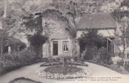 """18T - 37 - Rochecorbon - Indre Et Loire - Habitation Creusée Dans Le Rocher Au Dessous De La """"Lanterne"""" - Rochecorbon"""