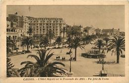 CANNES HOTEL MAJESTIC SUR LA PROMENADE DES ALLIES VUE PRISE DU CASINO - Cannes