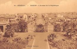 """06328 """"SÉNÉGAL - DAKAR L'AVENUE DE LA REPUBLIQUE"""" ANIMATA. CART. ILL. ORIG. NON SPEDITA - Senegal"""