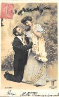 [DC3306] CPA - COPPIA DI INNAMORATI - Viaggiata 1905 - Old Postcard - Coppie