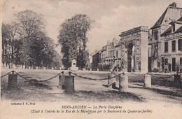 G , Cp , 89 , SENS-ANCIEN , La Porte Dauphine ( était à L'entrée De La Rue De La République Par Le Bd Du 14 Juillet) - Sens