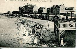 N°89 J -cpa Courseulles Sur Mer -terrasse Du Bar Et Plage- - Courseulles-sur-Mer