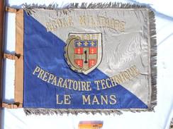 TRES BEL ANCIEN FANION ECOLE MILITAIRE PREPARATOIRE TECHNIQUE - LE MANS ....à Voir ............... - Flags