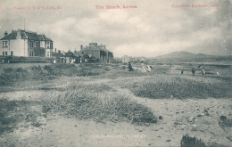 PC63368 The Beach. Leven. Robertson. V. And S - Postcards