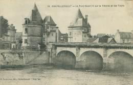 86 - CHATELLERAULT - Le Pont Henri IV Sur La Vienne Et Les Tours - Chatellerault
