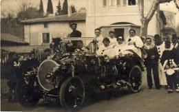 Carte-Photo Personnages Costumés  Belle Automobile Immatriculée Arrondissement De Marseille - Te Identificeren