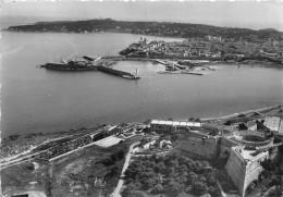 06 - Antibes - Le Port Et La Vieille Ville - Au Premier Plan, Le Fort Plan Carré - Antibes - Old Town