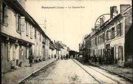 02 - PONTAVERT - Train Dans Ville - France