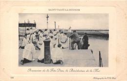 50-SAINT-VAAST-LA-HOUGUE- PROCESSION DE LA FÊTE-DIEU, LA BENEDICTION DE LA MER - Saint Vaast La Hougue