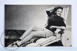 1950's Vintage Real Photo Postcard Cinema Film Actress - Lorraine Day - Schauspieler