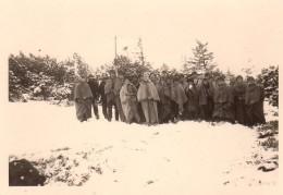 Photo Originale Enfants - Groupe De Gamins Dans La Neige Vêtus De Capes , Chapka & Capuches - Personnes Anonymes