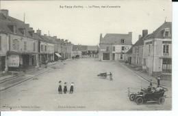 72 - LA  SUZE - T.Belle Vue Animée De La Place , Vue D'ensemble ( Vieille Voiture , Brouette ) - La Suze Sur Sarthe