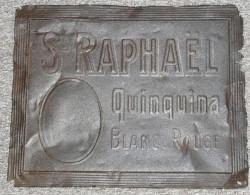 COLLECTOR Rare Ancienne Plaque En Tôle Emboutie Saint ST-RAPHAEL Quinquina Rouge - Liqueur & Bière