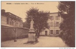82) MOISSAC - INSTITUTION  JEANNE D ´ ARC - COUR DE RECREATION - (2 SCANS) - Moissac