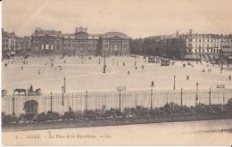 Dep 59 - Lille - La Place De La République : Achat Immédiat - Lille