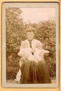 Photo-carte De Visite / CDV / Woman With Twin Babies / Femme Avec Des Bébés Jumeaux / 1910 - Photos